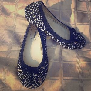 Girls Cherokee Native Print Flats